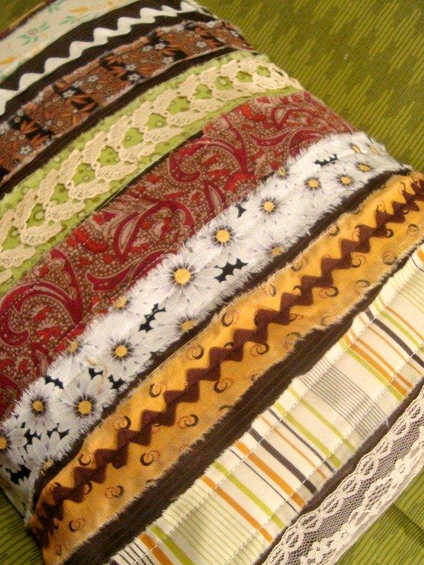 Scrap Fabric Strip Pillow Tutorial | patchwork posse