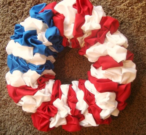 the scrap fabric flag wreath tutorial