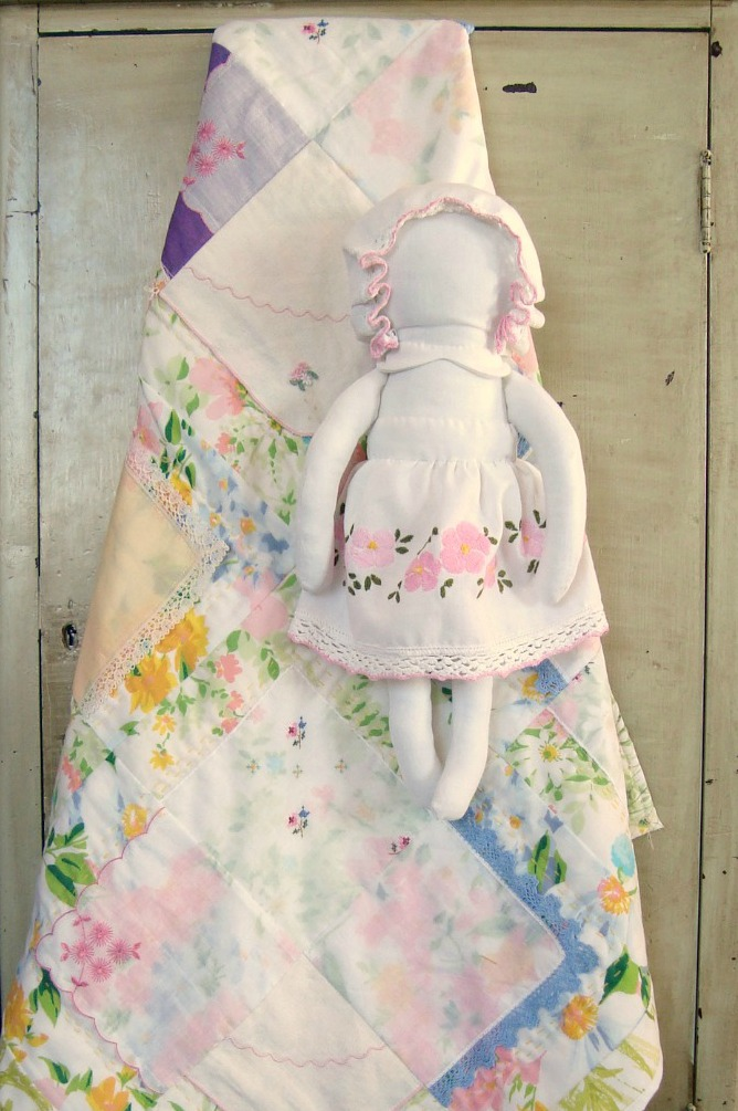Free Patterns For Baby Patchwork Quilt : Hankie Baby Quilt Free Quilt Tutorial and Pattern