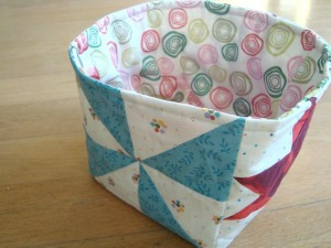 fabric_bucket_with_lining300