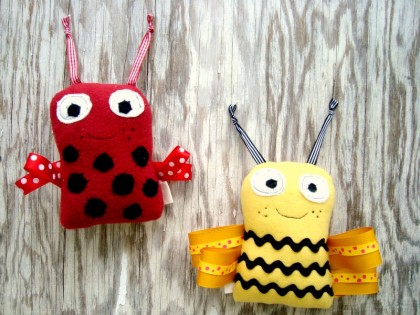 ribbon bug plushie pattern