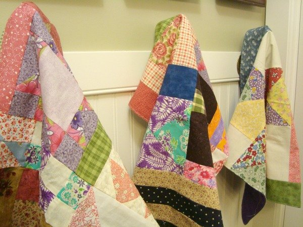 Make a Doll Quilt Using UFO Quilt Blocks tutorial