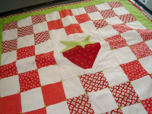 strawberry table topper quilt