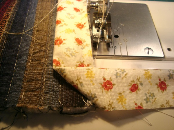 how to bind a quilt corners
