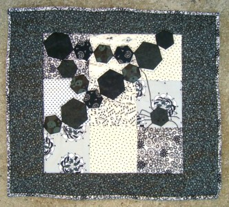 fat quarter quilt- Hexagon Spider web / patchworkposse.com