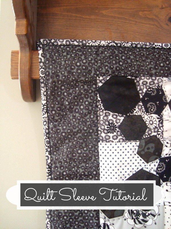 How to hang a quilt with a sleeve- tutorial | patchworkposse.com