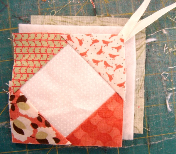 Customized Luggage Tags {52 Quilt Block Pick Up} - : quilting luggage tags - Adamdwight.com