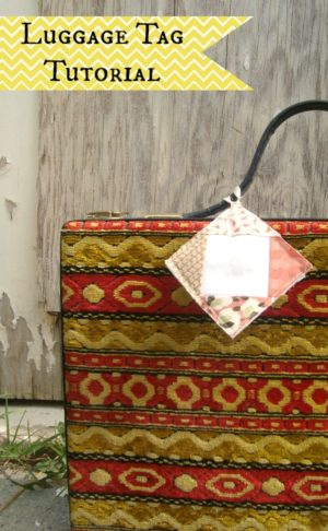 Make a customized luggage tag with your quilt blocks | patchworkposse.com