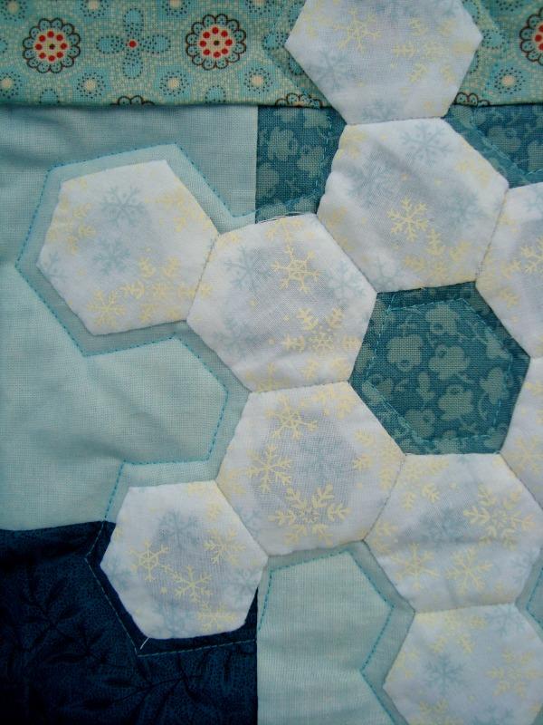 hexagonsnowflakequilt2