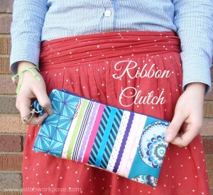 Ribbon wristlet clutch tutorial | #freepattern #clutch | patchwork posse