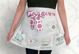 0847-Kitchen_Applique_Apron-1