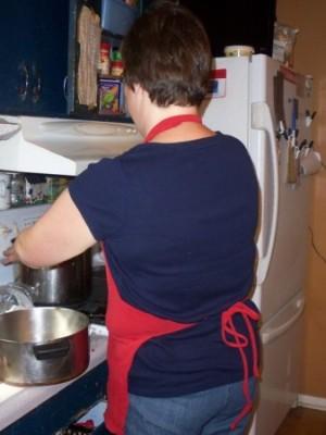 t-shirt-apron-mom-back-337x450
