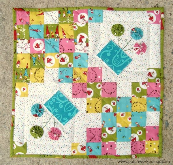 Spring blossoms quilt tutorial | patchwork posse #yoyo #quiltblock