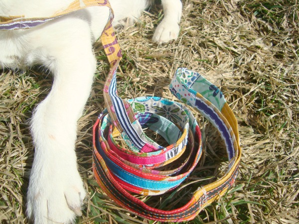 dog leash tutorial with ribbon   patchworkposse   easy sewing projects and free quilt patterns