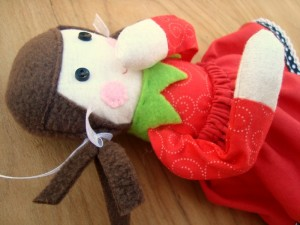 elf on the shelf with bendable arms | patchwork posse #elfontheshelf #christmas