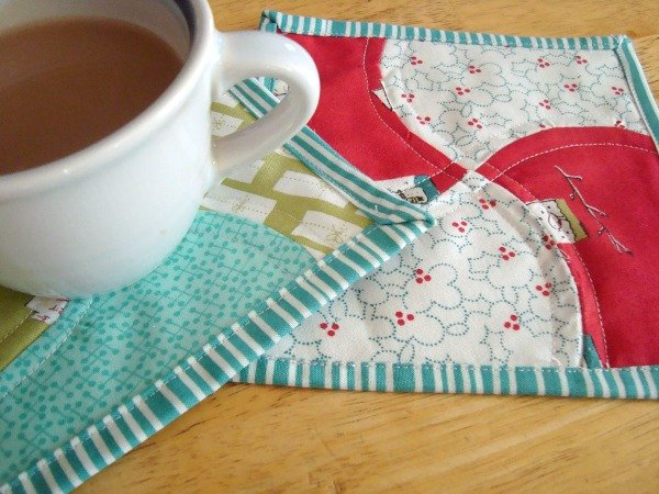 Apple Core Mug Rug Tutorial