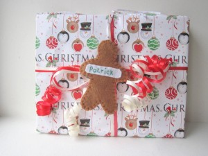 full_5187_77489_GingerbreadManFeltGiftTag_1