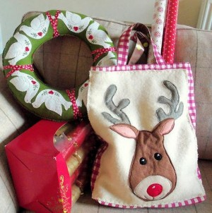 full_7616_122187_ReindeerToteBag_1