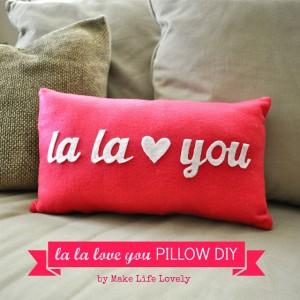 La-la-love-you-pillow-DIY-Make-Life-Lovely