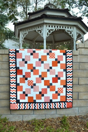 disappearing_nine_patch_quilt_halloween_4-680x1024