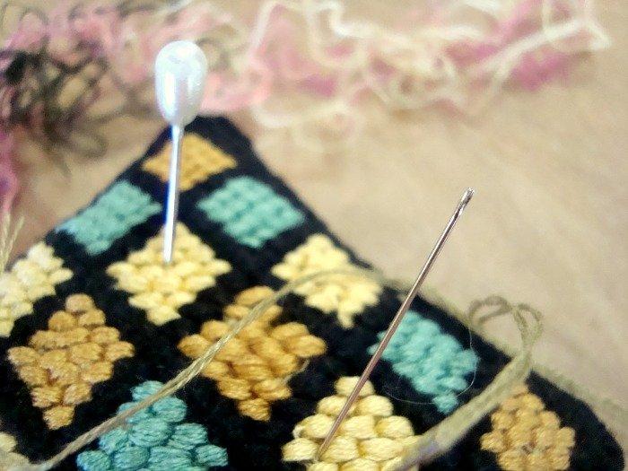 embroidery pincushion tutorial