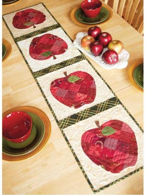 patchwork-apple-tablerunner