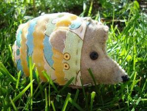 hot_4209_88458_HedgehogQuickStitchFeltAnimal_2
