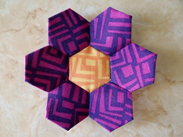 how to sew a hexagon flower