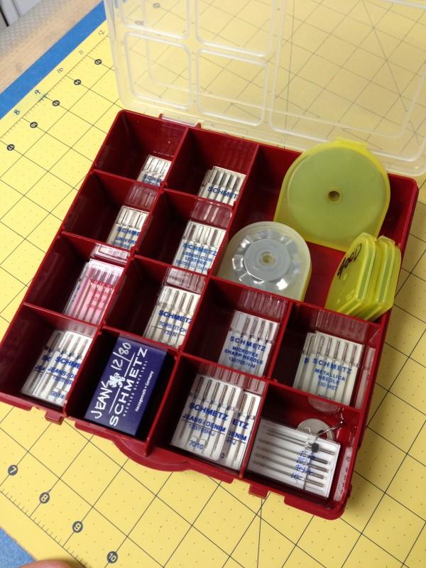 needle storage divider