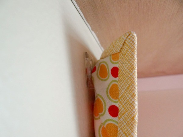 quilt hanger with clear clips