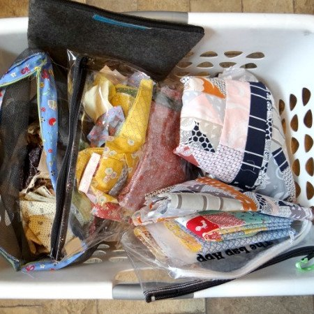 packing for a sewing retreat - what should you bring and how to carry it all!