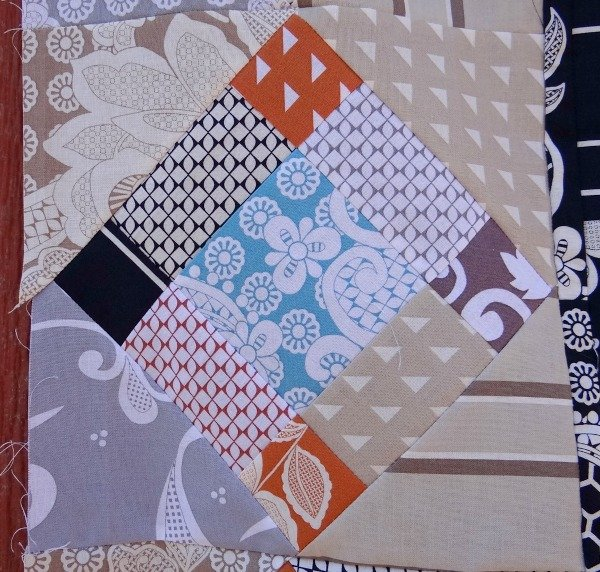 Busy Body Medallion Quilt Along – 2nd Border Quilt Block