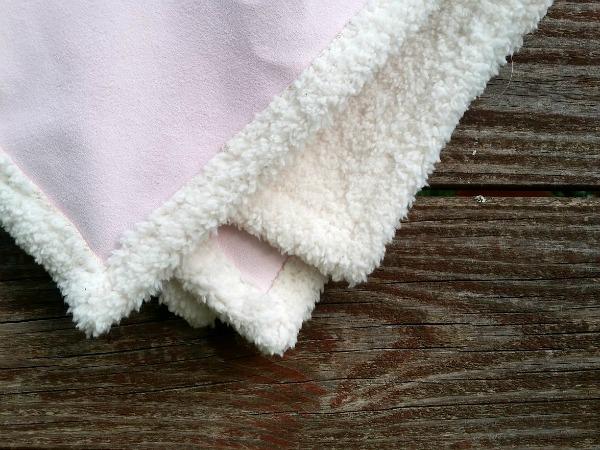 corners of doll blanket p
