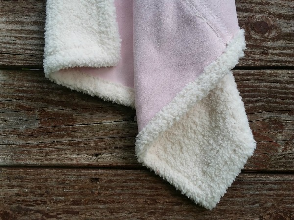 fuzzy blanket for dolls p