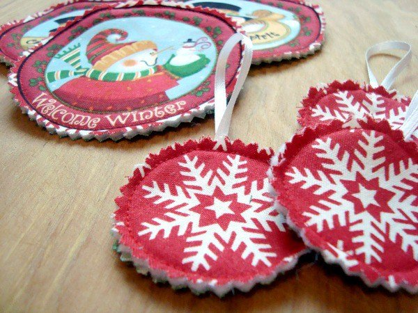 Fussy Cut Fabric Ornaments Tutorial