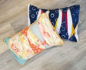color-tuck-pillow-4-1-300x246
