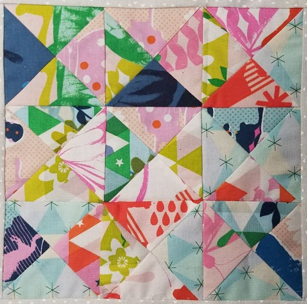 garden walk quilt along center quilt block - come sew along!